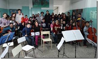 Los ensayos son en la Escuela Nº 12 de Santa Teresita y la orquesta forma chicos desde 2013