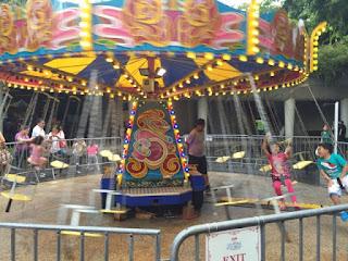 Swinging Chair - 4 tokens per ride