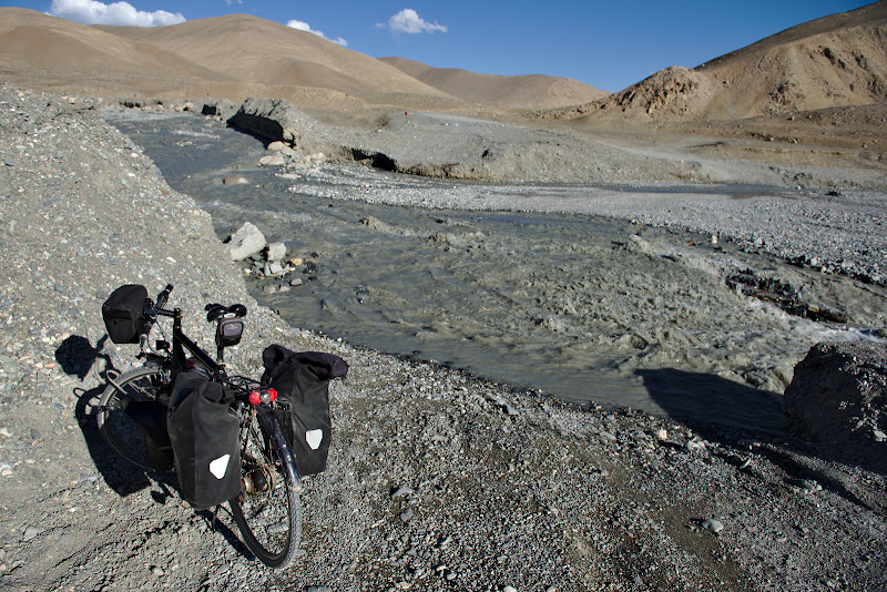 River crossings, the bane of ciclists and motorists alike. If the water is too high each river crossing actually means 6 river crossings, one for two panniers, one for the other two and a last one for the bike.