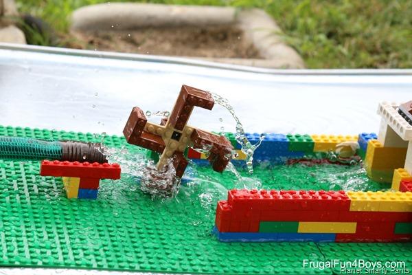 Lego-waterwheel