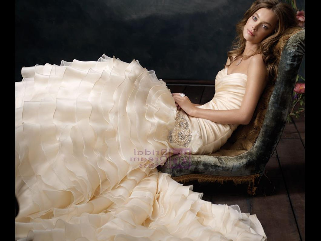 Jim Hjelm Wedding Dress LZ3109