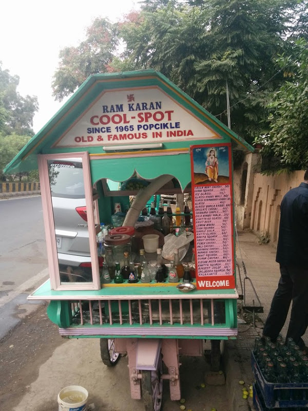 Try out the Kaala Khatta from this iconic street vendor