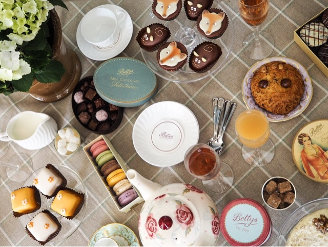 bettys-tea-room-cafe-afternoon-tea-tea-party-yorkshire-lifestyle-blogger-best-cake