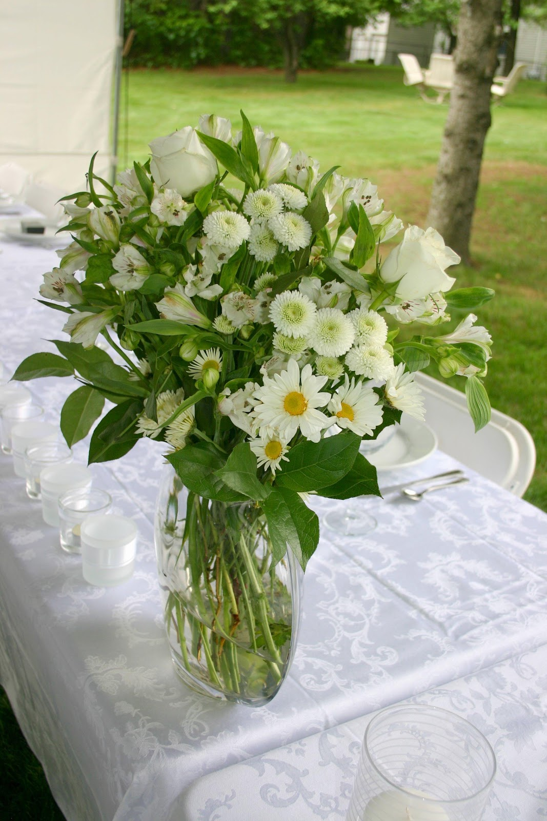 decorating wedding head table