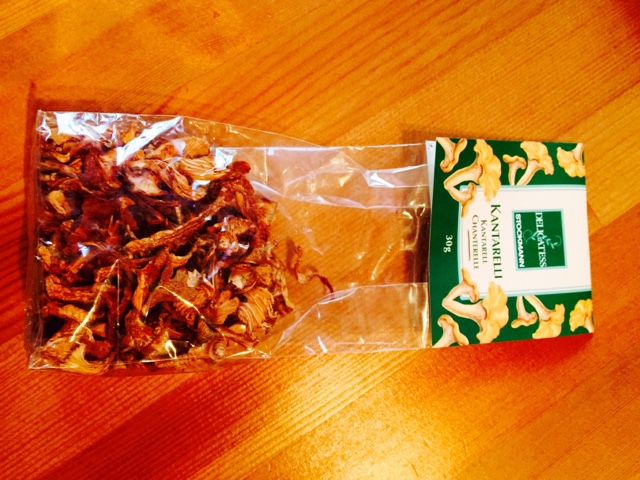 Bag of Finnish dried chanterelles