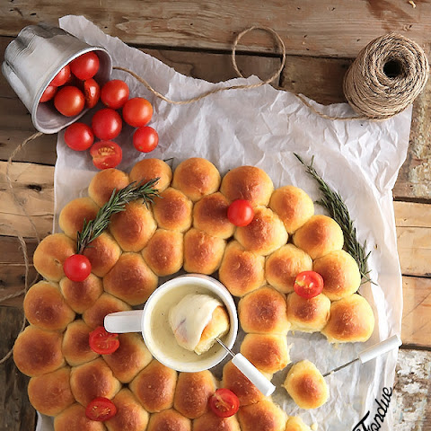 Ring around a Rolls (with cheese fondue)