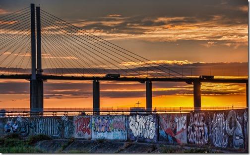 Gordon - Grafiti Below The Bridge