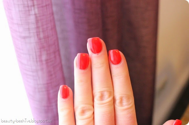 essie Nagellack Nailpolish Review Swatch LE Limited Edition Bridal Collection Wedding Hochzeit 2015 Happy Wife Happy Life Hubby for Dessert Nail of the Day Naildesign Lackiert NotD Tragebild 4