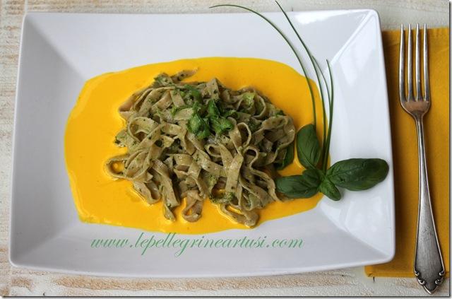 tagliatelle integrali con pesto di erba cipollina, zucchine 003