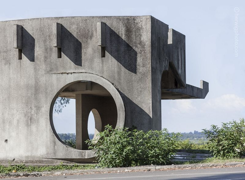 herwig-soviet-bus-stops-9