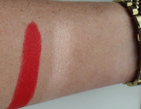 Topshop-Beauty-RioRio-Matte-Lipstick-swatch-Glow-Highlighter