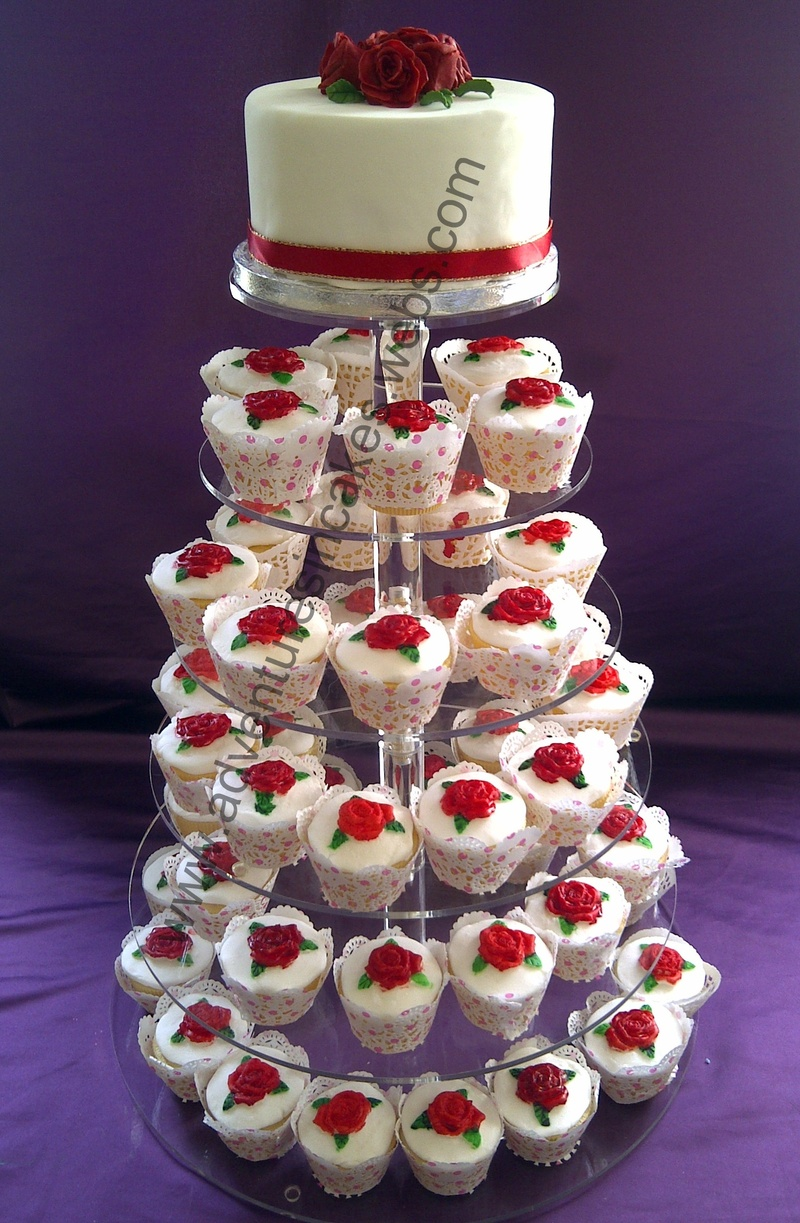 Red Roses Wedding Cake and