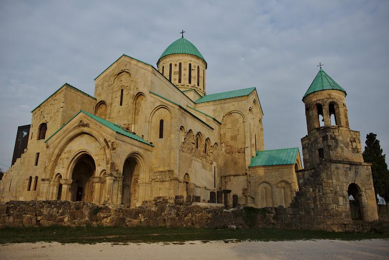 Catedrala Bagrati, o bucatia din istoria Georgie veche de aproape 1000 de ani.