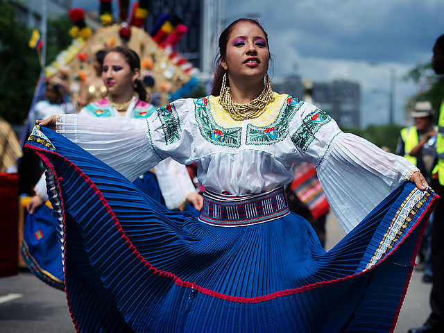 Ecuadorian dress, Carnival del Pueblo