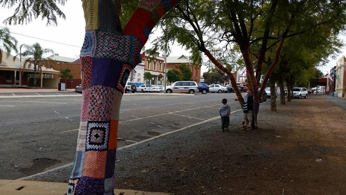 virtù - yarn bombed street of Kalgoorlie