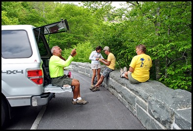 10a2 - Linn Cove Viaduct Hike May 29 - parking lot lunch spot