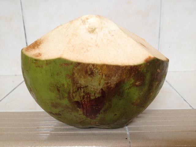Detox toksik dengan air kelapa muda