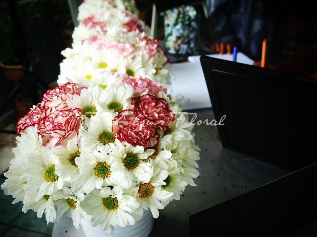 50 s style wedding tabledecor