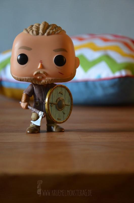 Kissenschlacht (01) Ich plotte mir Ragnar Lothbrok zum Kuscheln