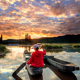 Sunrise by Agung Hendramawan - Uncategorized All Uncategorized ( #nikonindonesia, #wonderfulindonesia, #indonesia_photography, #awesome_shots )