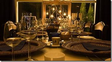 mesa-com-tacas-vinho