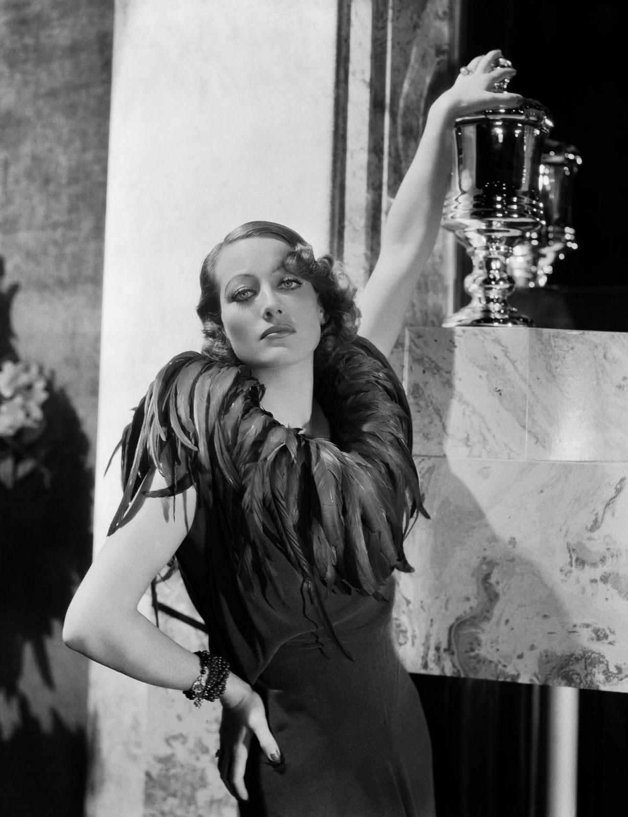 November of 1925    Joan
