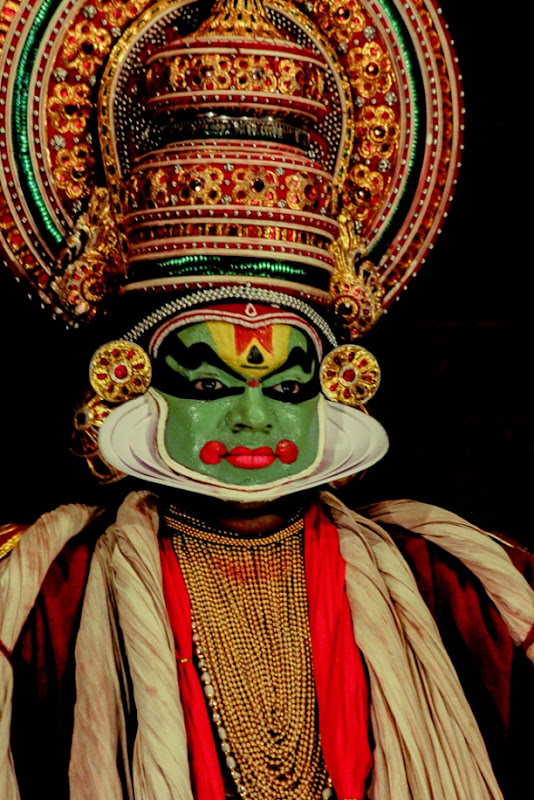 Kathakali dancer and show in full action at Kochi