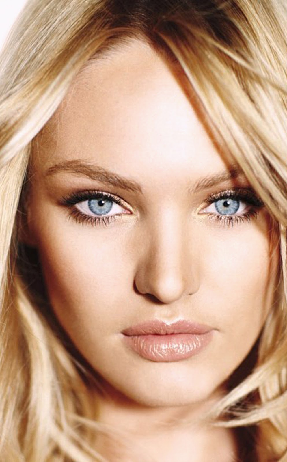 PLUS CANDICE SWANEPOEL CLOSE UP VICTORIA'S SECRET WALLPAPER.jpg