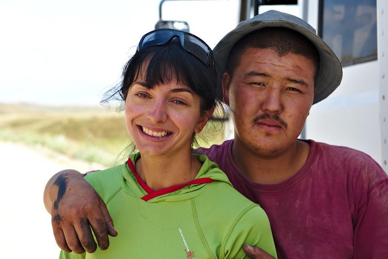 Murat si singurul loc cu umbra intalnit pe drum. 25 de ani si casatorit cu camionul sau.
