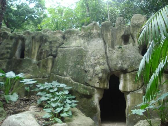 Gruta de Pedra-Sabão, Bosque Rodrigues Alves - Belém do Parà, fonte: Scantlebury/Skyscrapercity