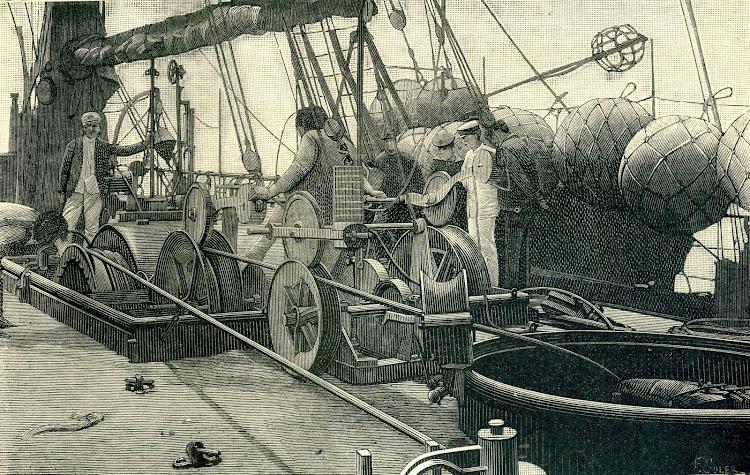 Las operaciones del tendido a bordo del CITTA DI MILANO. Recogida de una punta rota. Foto y texto de la revista NATURALEZA, CIENCIA E INDUSTRIA. Año 1891..jpg