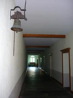 La cloche a sonné, que la joie vienne,  mais oui, mais oui, l'école est finie !
