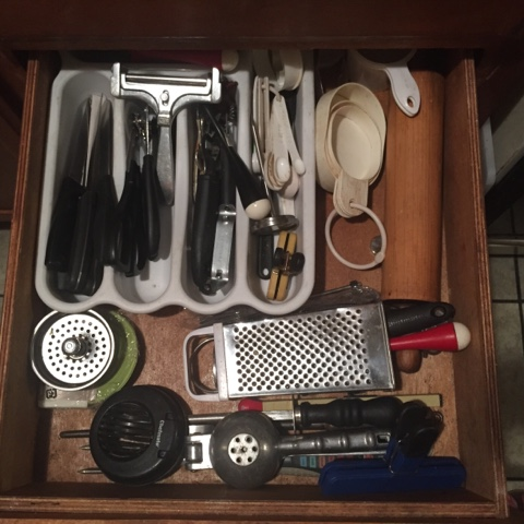 organize-kitchen-tips-drawers