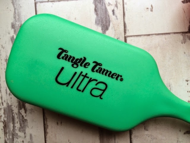 beauty-blog-denman-tangle-tamer-ultra-brush-review-tangle-teezer-cult-beauty-products-holy-grail-beauty-products-hair-care-smooth-hair-detangling-brush-best-hair-brush