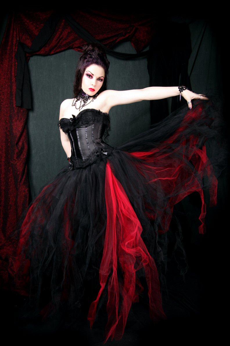 Clodagh 39 s blog gothic wedding dresses style for Gothic style wedding dresses