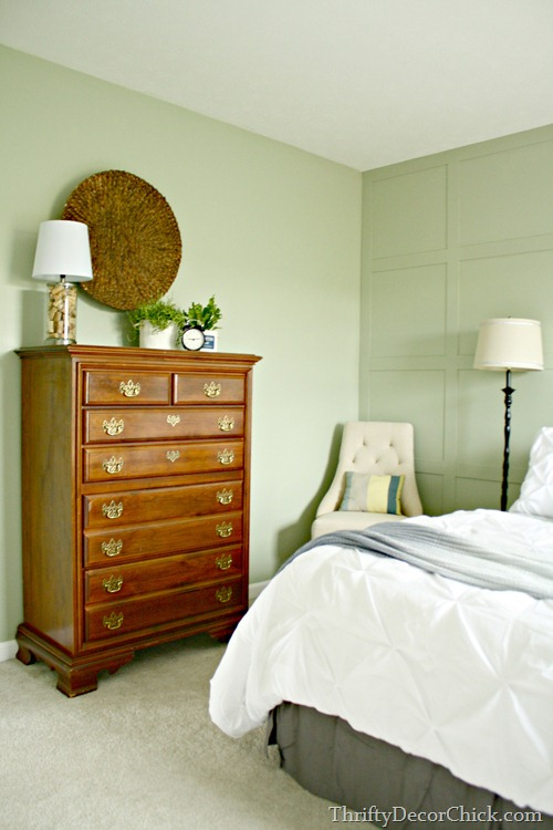 colors that work with cherry cabinets