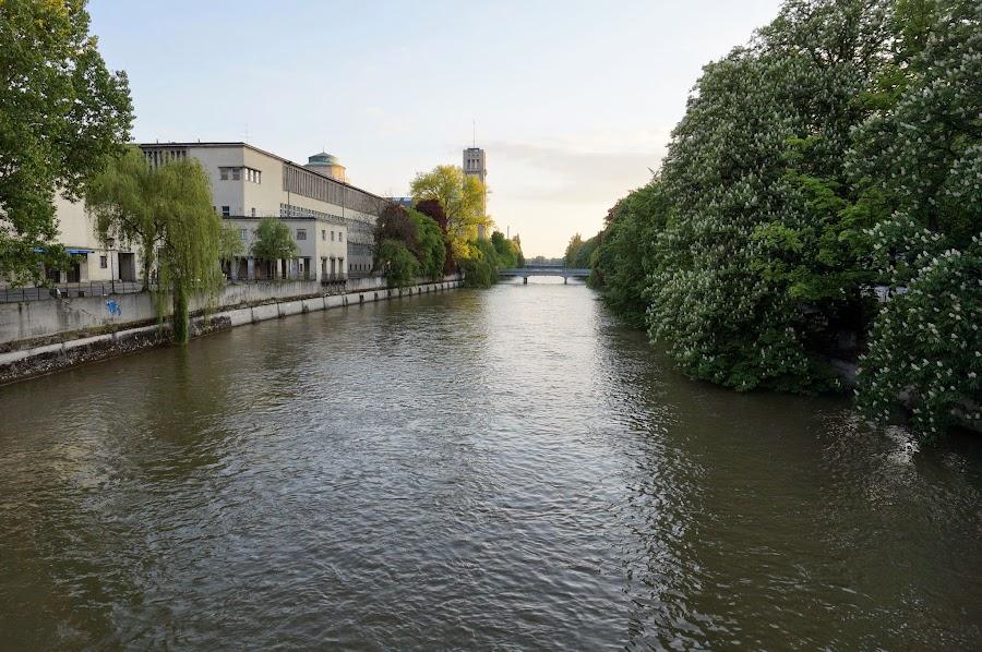 Река Изар в Мюнхене