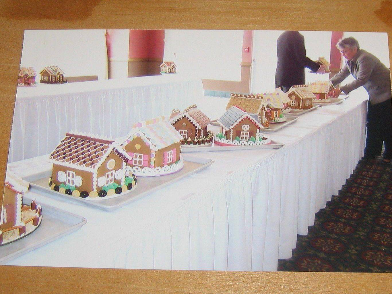 Meals on Wheels Gingerbread