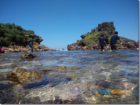 Pantai Nglambor Kisah Foto Blog03