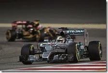 Lewis Hamilton ha conquistato la pole del gran premio del Bahrain 2015