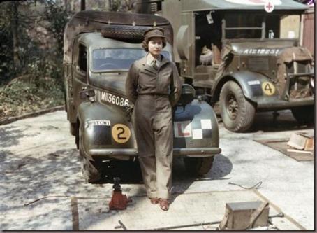 Elizabeth II servindo o Exército