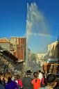 Een gesprongen waterleiding levert een enorme fontein op