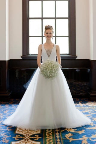 WhiteSnow in Wonderland: Lace Wedding Dresses on Landybridal