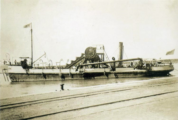 Detalle de la draga GANDIA. Gandia. Ca. 1900. Foto del libro Historia del Port de Gandia.jpg