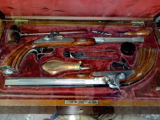 Антикварная дуэльная пара пистолетов. 19-й век. 7900 евро.