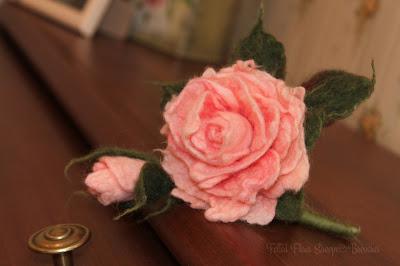 Цветок-брошь - нарцисс
