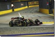 Pastor Maldonado al volante della Lotus