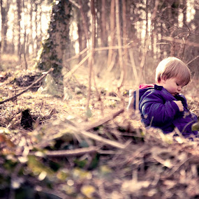 Waiting for bears in the woods by Claire Conybeare - Chinchilla Photography - Babies & Children Toddlers