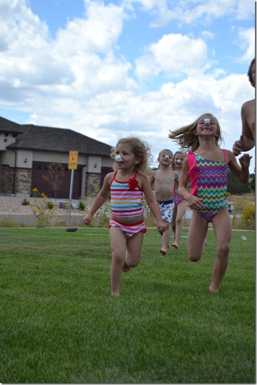 5-Relay-Races-For-Your-Next-Family-Party (17)