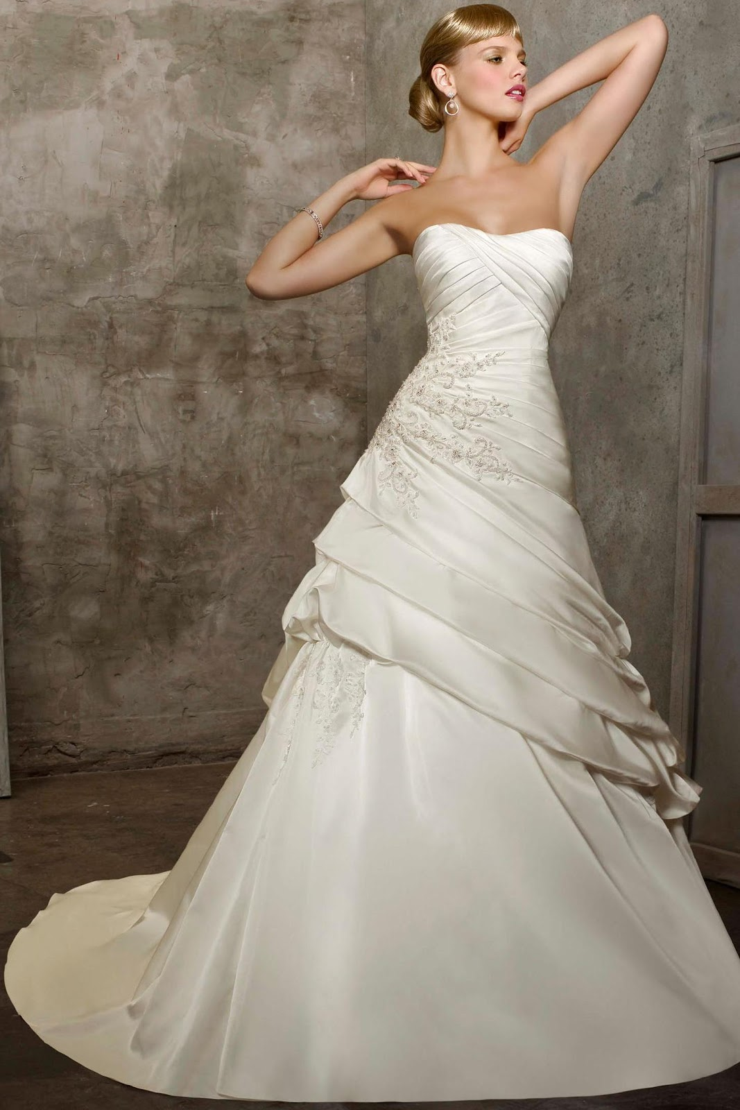 A-Line 2012 Wedding Gowns